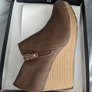 Brown Wedge Zip Up Bootie Fall Boots